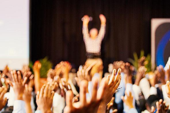 Publikum auf einer Konferenz