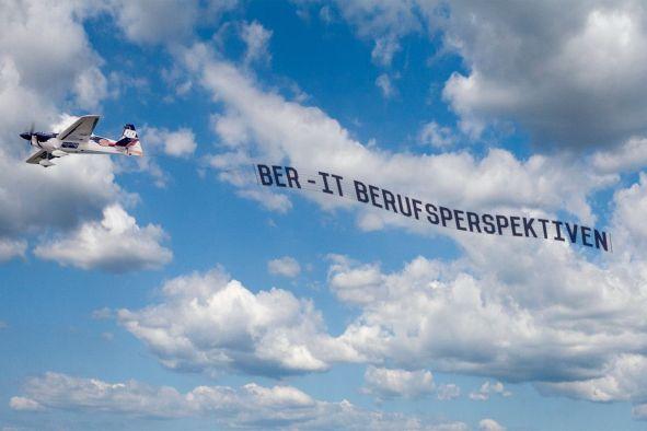 Flugzeugbanner von BER-IT